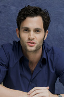 Penn Badgley picture G752431