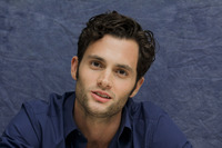Penn Badgley picture G752433
