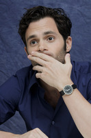 Penn Badgley picture G752434