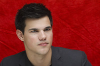 Taylor Lautner picture G752705