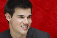Taylor Lautner picture G752709