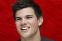 Taylor Lautner picture G752710