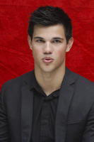 Taylor Lautner picture G752715