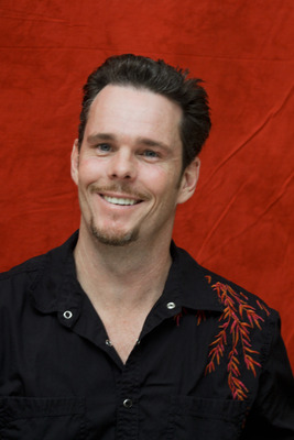 Kevin Dillon poster G754855