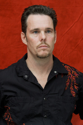 Kevin Dillon poster G754859
