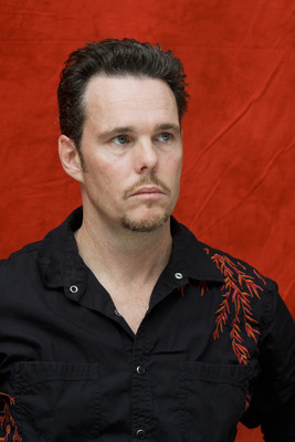 Kevin Dillon poster G754861