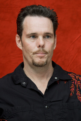 Kevin Dillon poster G754863
