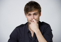 Douglas Booth picture G759504