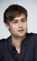 Douglas Booth picture G759505