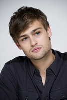 Douglas Booth picture G759507