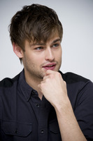 Douglas Booth picture G759511