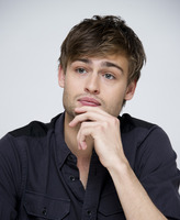 Douglas Booth picture G759513
