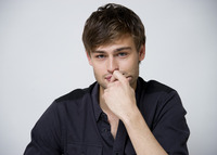 Douglas Booth picture G759516