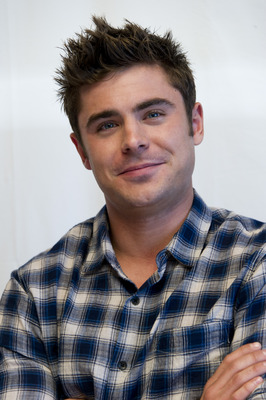 Zac Efron poster G759674