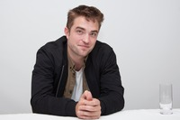 Robert Pattinson picture G761073