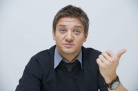 Jeremy Renner picture G761128