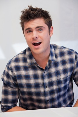 Zac Efron poster G763648