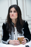 Idina Menzel picture G764198