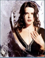 Neve Campbell picture G76525