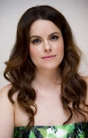 Emily Hampshire picture G766071