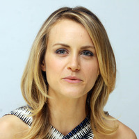 Taylor Schilling picture G767355