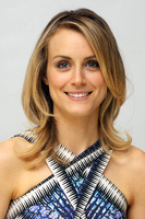 Taylor Schilling picture G767360