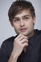 Douglas Booth picture G767809