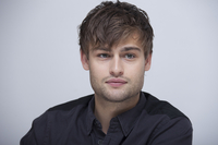 Douglas Booth picture G767810