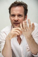 Peter Sarsgaard picture G768774