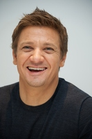 Jeremy Renner picture G769902