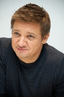 Jeremy Renner picture G769905