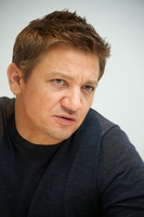Jeremy Renner picture G769906