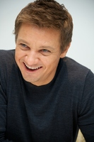 Jeremy Renner picture G769907
