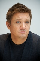 Jeremy Renner picture G338032