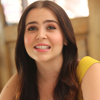 Mae Whitman picture G775228