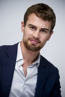 Theo James picture G775763
