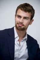 Theo James picture G775765