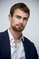 Theo James picture G775766