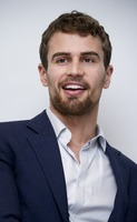 Theo James picture G775770