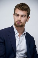 Theo James picture G775772