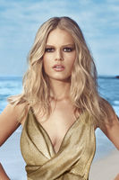 Anna Ewers picture G776562