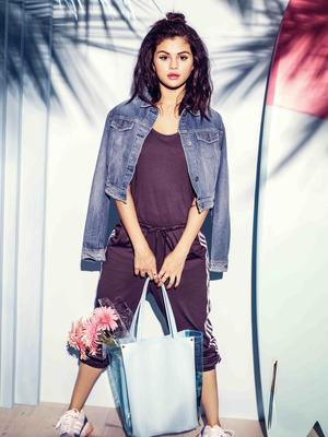 Selena Gomez poster G777731