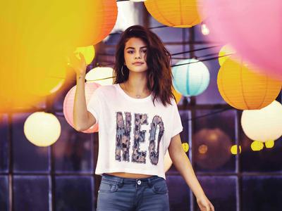 Selena Gomez poster G777741