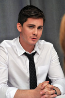 Logan Lerman picture G782344