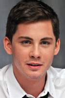 Logan Lerman picture G782349