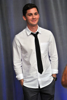 Logan Lerman picture G782350