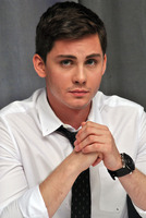 Logan Lerman picture G782352