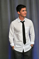 Logan Lerman picture G782354