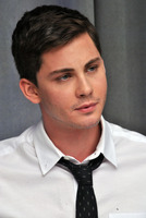 Logan Lerman picture G782358