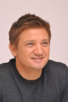 Jeremy Renner picture G338029